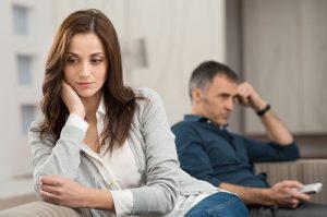 735414 249 300x199 - اثرات منفی و پنهان استرس در روابط زوجین!
