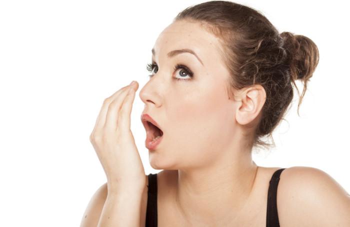 ssiimm wpid home remedies for bad breath 700x454 - چگونه بوی نامطلوب دهان را برطرف کنیم؟