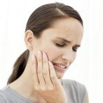 ssiimm woman with jaw pain 150x150 - بعد از کشیدن دندان چه کنیم؟